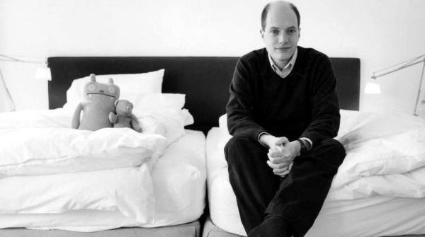 alain de botton kiss and tell ap essay